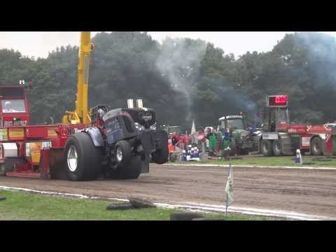 Kwalificatie run Tractorpulling Alphen