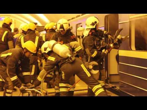 Учения МЧС на станции метро «Спортивная» в Санкт-Петербург онлайн видео