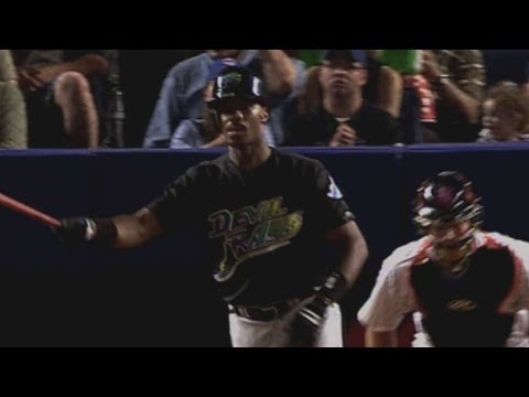 Video: McGriff blasts 400th home run of his career