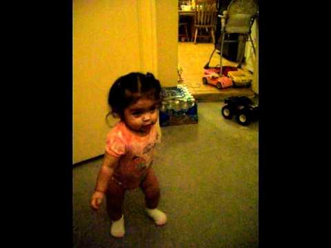 Baby Audrina Kapri dancing Justin Beiber.mov (видео)