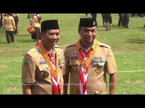 Walikota Pekanbaru Menerima Penghargaan Penggerak Pramuka Lencana Melati di Cibubur