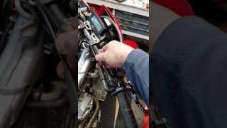 10. XR650R Honda First Repairs...