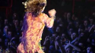 Aerosmith - Walk this way @ Paris Bercy - YouTube