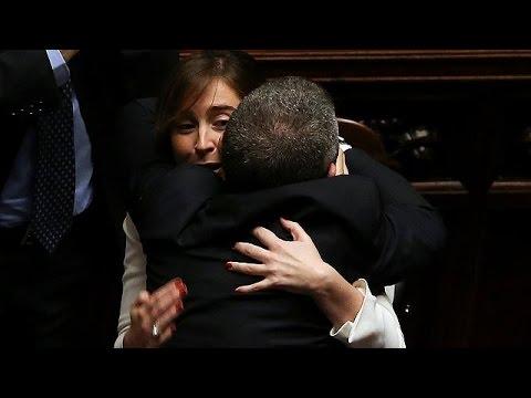Ιταλία: Με την έγκριση της Βουλής η ένωση ομόφυλων ζευγαριών
