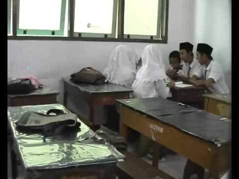 Video Kelas XII BHS-2 Angkatan 2011