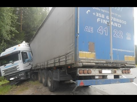 Best truck crashes, truck accident compilation 2014 Part 17