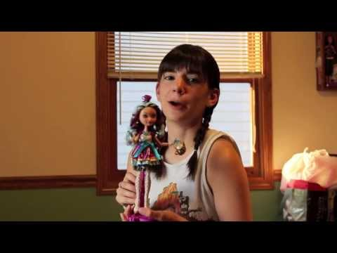 Dolly Review: Ever After High Madeline Hatter (Confessions of a Doll Collectors Daughter)