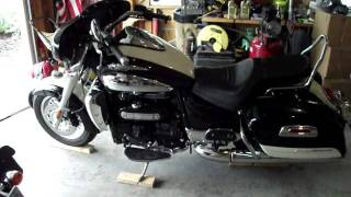 8. Oil Change Triumph Rocket III Part 1