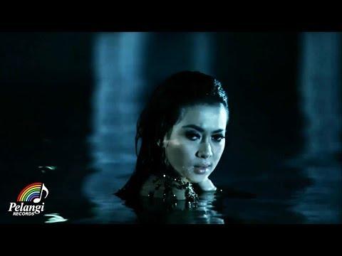 Syahrini - Kau Yang Memilih Aku (Official Music Video)