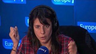 Video Estelle Denis humilie Cyril Hanouna ! MP3, 3GP, MP4, WEBM, AVI, FLV Mei 2017