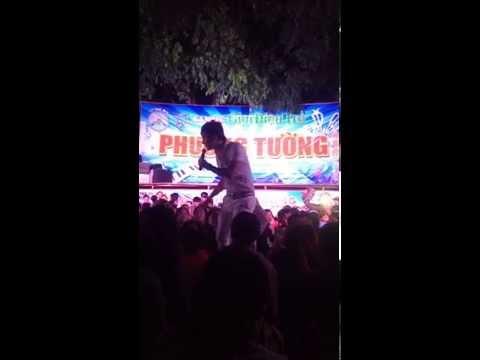 Lâm Chấn Khang với điệu nhảy sàng gạo hài hước với khán giả