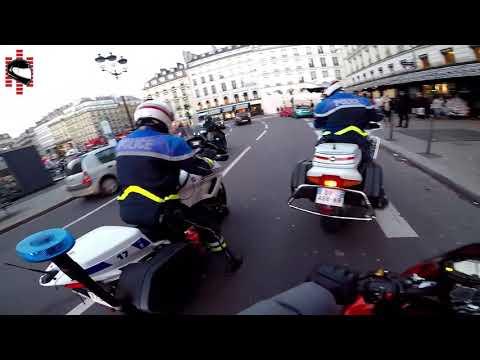 Un motard arrête un chauffard !