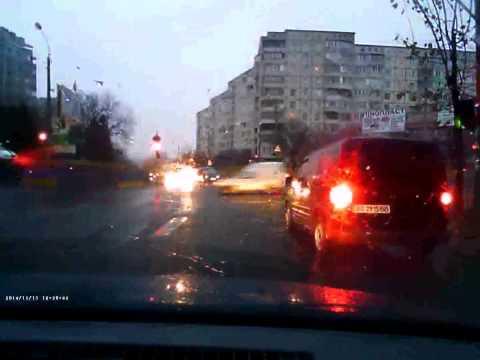 Як у Рівному ПДР порушують [Маленьке наглядне відео]