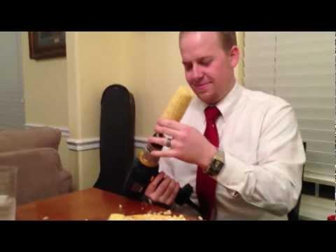 Käka majs med skruvdragar tekniken