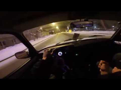 Ещё один дрифтер на улицах Тюмени. А как вы относитесь к таким водителям?