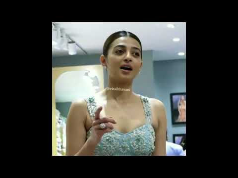 Video Radhika Apte Hot Balloons Cleavage in Tight Dress download in MP3, 3GP, MP4, WEBM, AVI, FLV January 2017