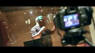 "Too Short Presents: Beeda Weeda ""Hustla"" Ft E-40 (In Studio Performance)"