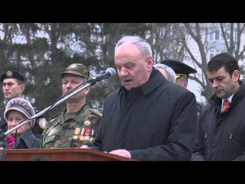 President Nicolae Timofti attends events dedicated to Remembrance Day