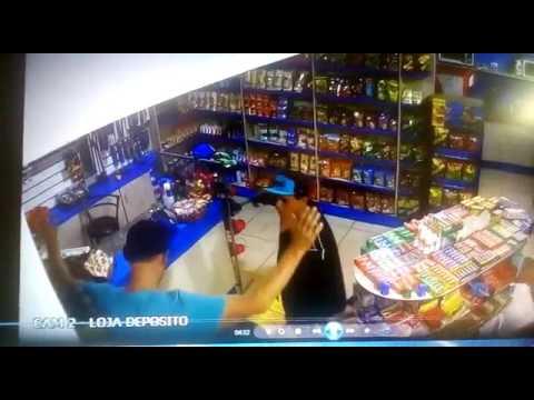 Palotina - Assaltantes levam computador que armazenava imagens de segurança, mas estas eram compartilhada com PM. Ajude a identificar.