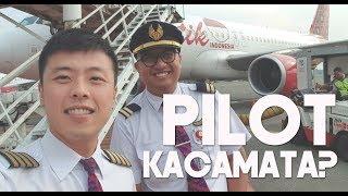 Video Pesawat Menggunakan Ground Support, Pilot Boleh Berkacamata Lho Ini Buktinya MP3, 3GP, MP4, WEBM, AVI, FLV November 2018