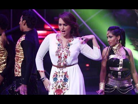 Sonakshi Sinha Hot Performance On 'Nachan Farrat