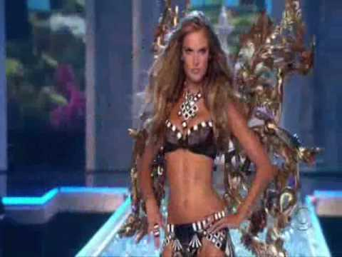 Slow Sexy Poses by Victoria's Secret Angels (VSFS 2007)