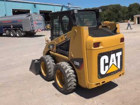 CATERPILLAR SKID STEER LOADERS 226B2 equipment video LzKQpAtJJhY