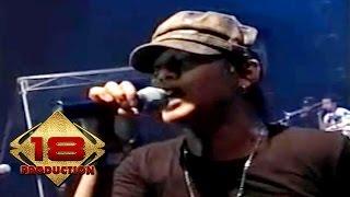 Tipe-X - Hujan (Live Konser Palembang 29 Oktober 2006) Video