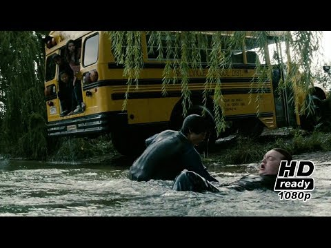 Clark saves school bus : Man of Steel