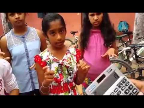 印度小孩開掛!超快手指動作讓她們計算的比計算機還要快!