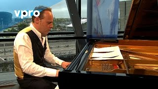 http://vpro.nl/vrije-geluiden Jazzpianist Jef Neve performs his own composition Solitude. http://www.jefneve.com Broadcast ...