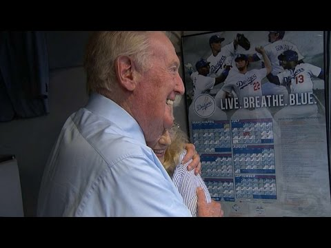 Return - The Los Angeles Dodgers are proud to announce that Hall-of-Fame broadcaster Vin Scully will be returning for his 66th Season Check out http://m.mlb.com/video for our full archive of videos,...