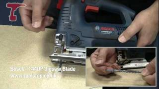 How To Cut Curves Using A Jigsaw - Bosch GST140 BCE Professional