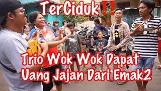 Video Gimana Kalok Trio Wok Wok Ngamen Depan Rumah Kalian❓Ibu Ini Gak Sadar Udah 500 Uang Nya Abis🤣 MP3, 3GP, MP4, WEBM, AVI, FLV Februari 2019