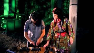 Tom Thum feat. Hannah Mack (MKO) - Wildfire