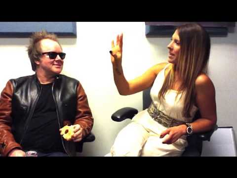 Ashlee interviews comedian Dean Delray