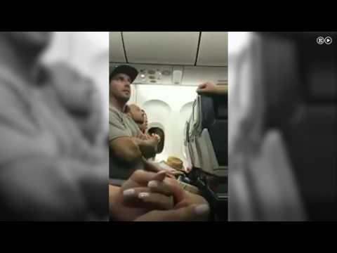 Una familia es expulsada de un vuelo de Delta Airlines por negarse a ceder el asiento de su bebé