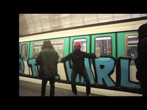The Harlem shake. Paris metro.