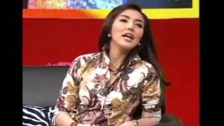 Video Ada Apa Dengan Roro Fitia dan Bella Shofie MP3, 3GP, MP4, WEBM, AVI, FLV Januari 2018