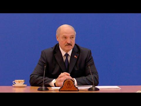 Лукашенко два часа в день отдает спорту