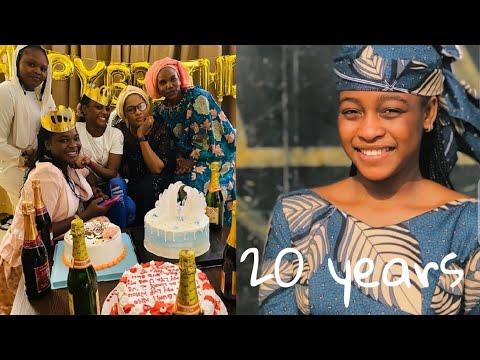 Ga Inda Ake Nuna Naira Kalli Yadda Safara'u Kwana Casa'in Ta Yanka Cake Din Birthday Dinta Da iPhone