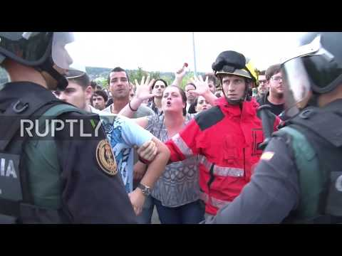Spain: Catalan leader visits school marred by violence