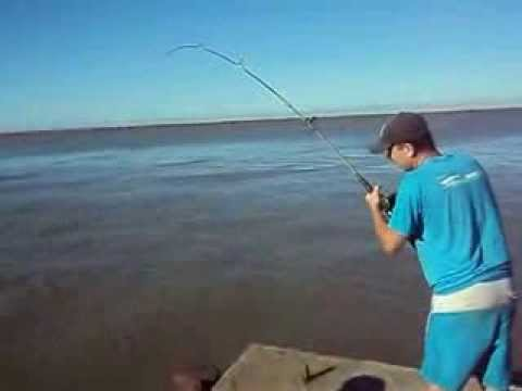 Pescaria de corvina (cascuda) nos molhes de São Jose do Norte (Marcio Peres)