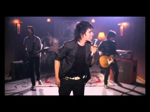 Download Lagu Domino - Siapa Yang Pantas Music Video