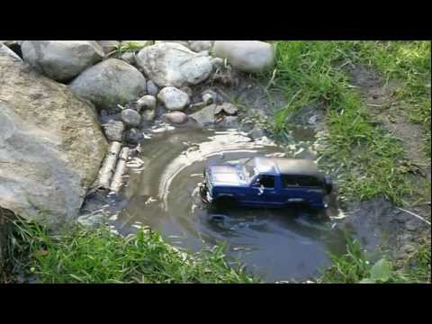 Losi 1/24 Trail Trekker Ford Bronco Scaler WATERPROOF Test / Rock Crawling