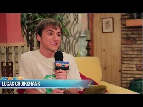 """On Set of """"Marvin, Marvin"""" with Lucas Cruikshank"""