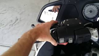 10. BMW R1200RT-P MOTORCYCLE SWITCHES, CONTROLS & FEATURES