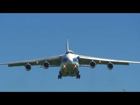 Antonov An-124 Ruslan landing Moffett...