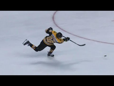 Video: Pastrnak with a rocket to beat Rinne in the first