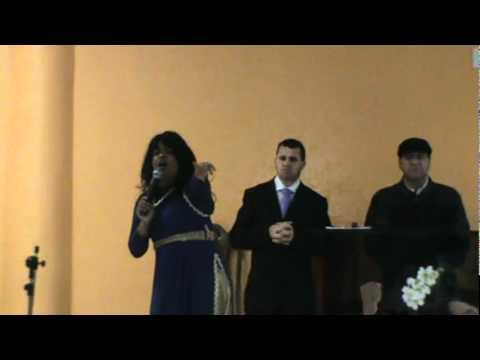 Pastora Mara Louvando ao Senhor em Caxambú do Sul - SC 25.06